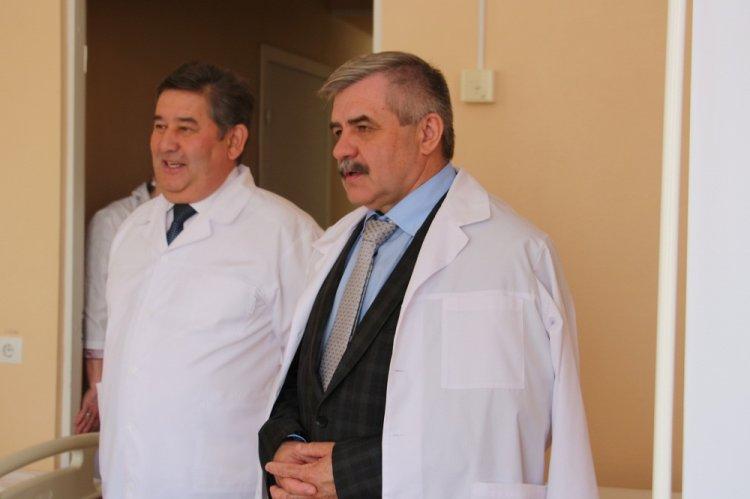 В канун Дня Победы Михаил Закомалдин посетил госпиталь ветеранов