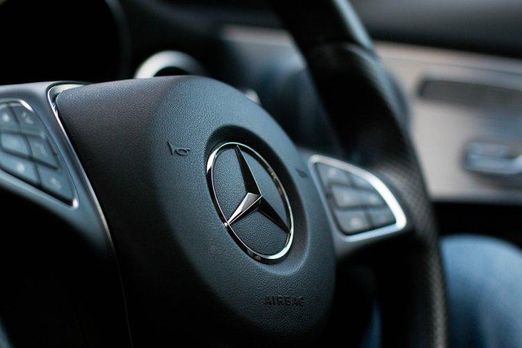 Сотрудник автомойки угнал Mercedes клиента в Уфе