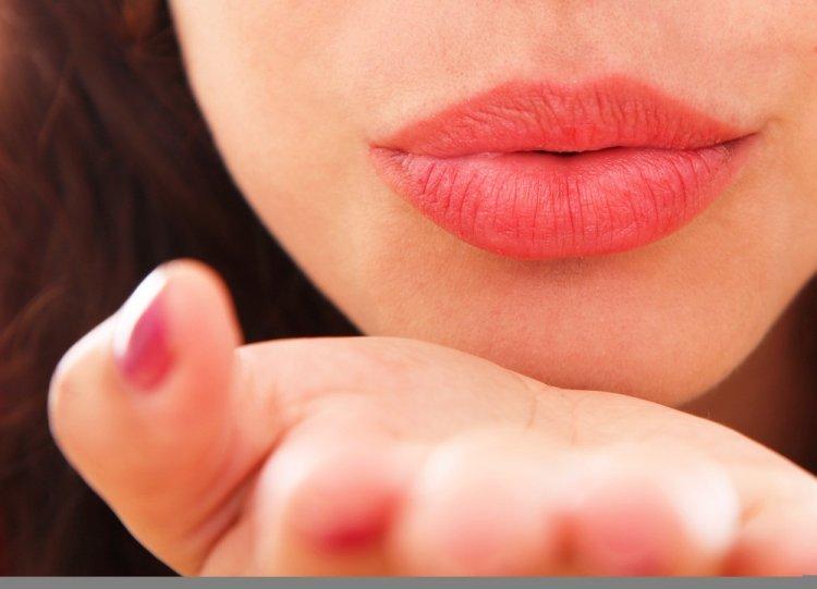 Если вы подуете на большой палец, это окажет удивительный эффект на организм