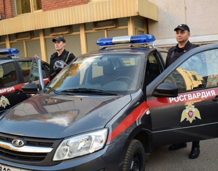 В Уфе задержали гражданина, напугавшего прохожих звуковым пистолетом