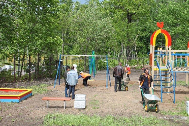 Активисты ОНФ проверили благоустройство дворов в Уфе