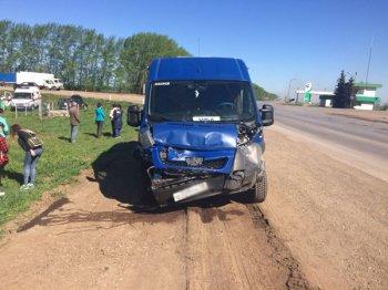 В Башкирии пассажирский автобус попал в ДТП