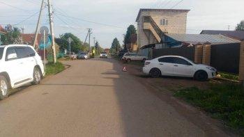 В Уфе 10-летний мальчик на скутере врезался в припаркованный автомобиль