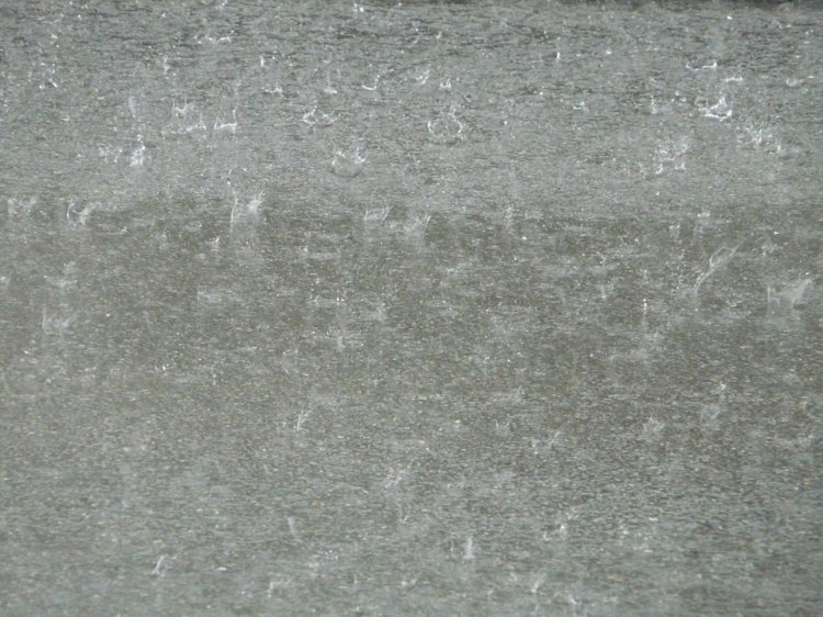Сильный ливень затопил улицы Уфы