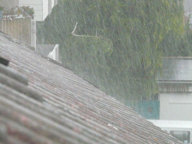 Град, ливни и шквалистый ветер: в Башкирии объявлено штормовое предупреждение