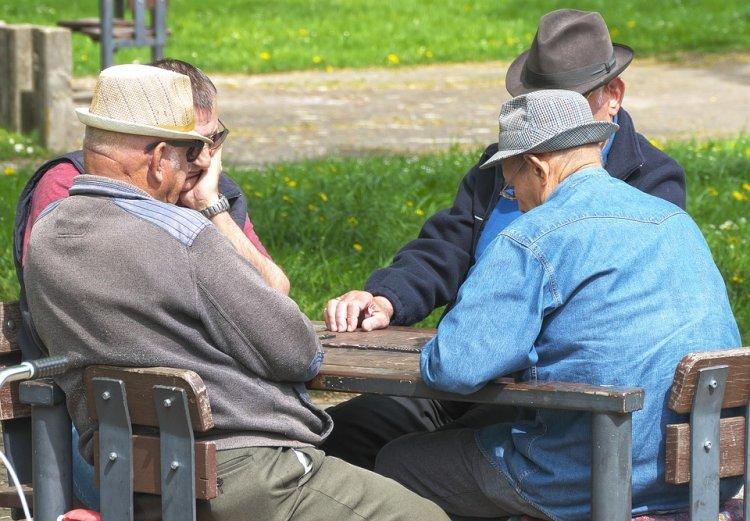 Минтруд РФ разъяснил, у кого вырастут пенсии после повышения пенсионного возраста