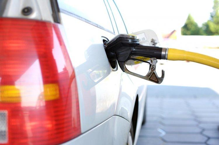 В России за неделю подешевел бензин