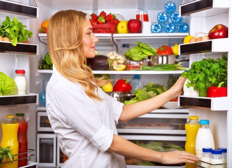 Восемь необычных вещей, которые можно хранить в холодильнике