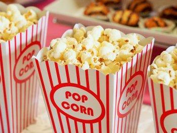 Как правильно есть попкорн? Отвечают ученые
