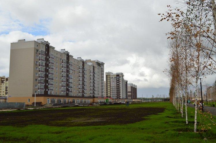 В Стерлитамаке продолжаются работы по благоустройству дворов и общественных территорий