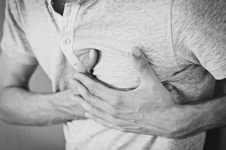 В случае сердечного приступа, у вас есть только 10 секунд! Вот, что необходимо делать!