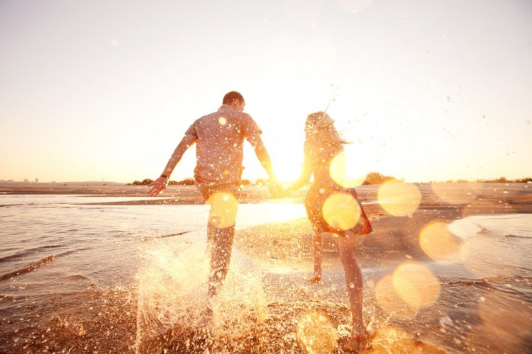 Названы знаки Зодиака, с которыми вы должны встречаться, если хотите быть счастливы