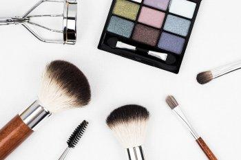 В Башкирии в магазине фирменной косметики продавали просроченную продукцию