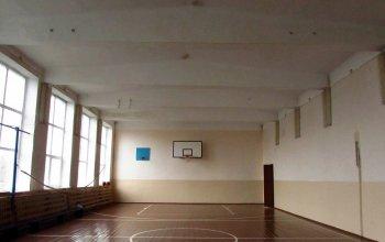 В Зианчуринском районе РБ  ремонтируют школьный спортзал