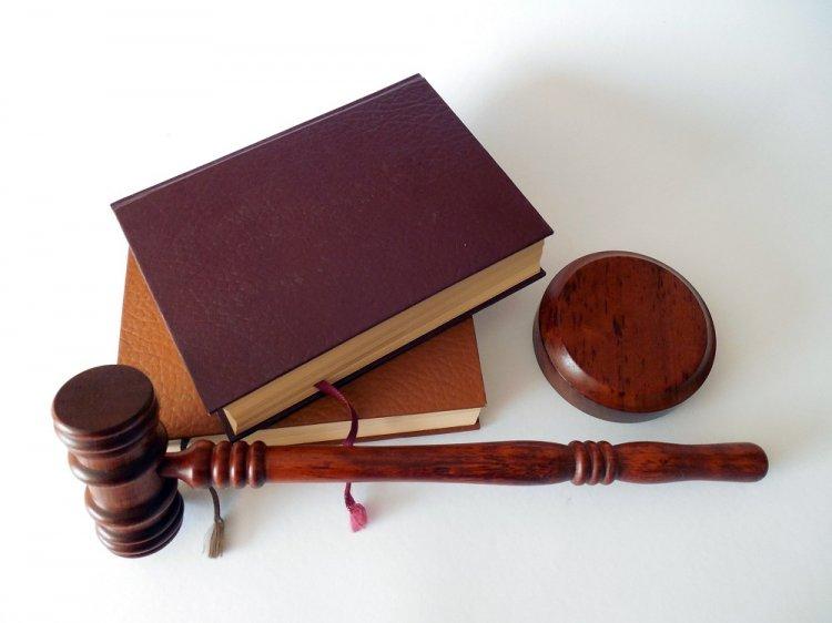 В Башкирии адвоката, давшего взятку, освободили от наказания