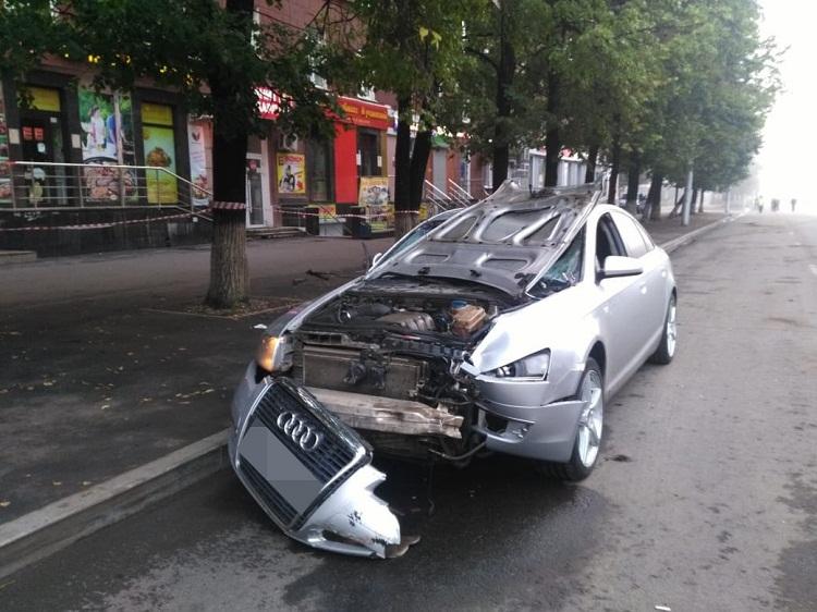 В Уфе тело сбитого пешехода влетело в салон автомобиля, водитель сбежал
