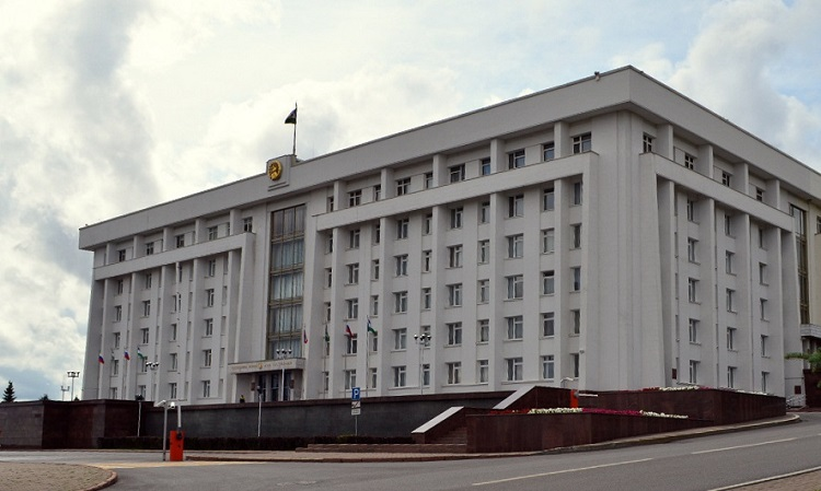 В Правительстве Башкирии почтили минутой молчания память о погибших в результате крушения вертолёта в Красноярском крае