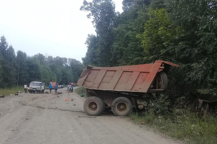 Водитель КамАЗа погиб в ДТП в Башкирии
