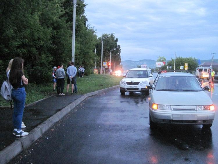 В Башкирии автомобиль насмерть сбил 19-летнюю девушку