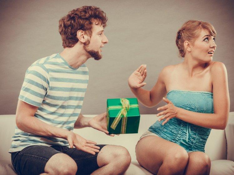 Пять подарков, которые приносят неудачи