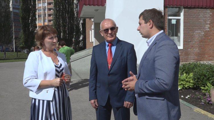 В Башкортостане сторонники «Единой России» проверяют готовность школ к новому учебному году