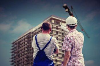 Рустэм Хамитов вручил государственные награды работникам строительного комплекса Башкортостана