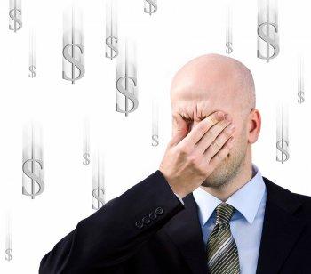 Названы знаки Зодиака, которые не умеют распоряжаться деньгами
