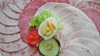 Цены на мясные изделия хотят повысить