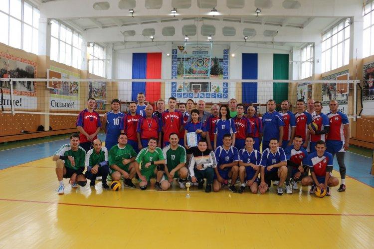 В Стерлитамаке сыграли в благотворительный волейбол