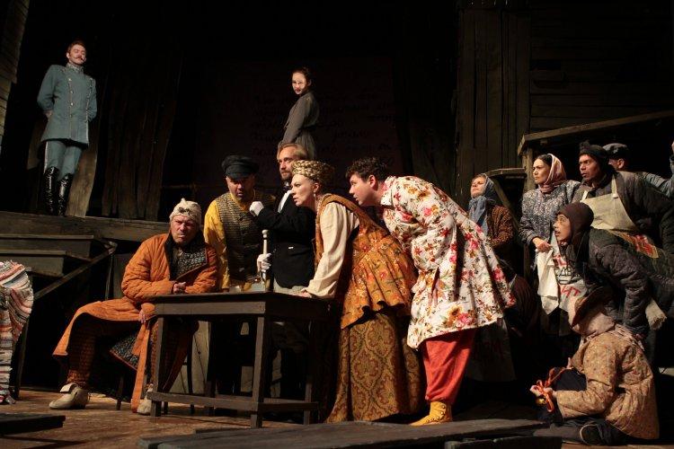 73 –й сезон в Стерлитамакском русском драмтеатре открылся премьерой сатирической комедии «Недоросль»