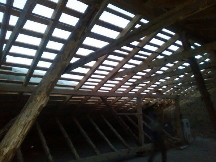В Башкирии ураганный ветер оставил без крыш гимназию и военкомат