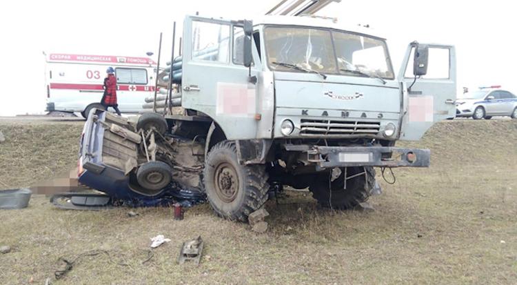 В Башкирии столкнулись «ВАЗ-2107» и «КамАЗ». Есть жертвы