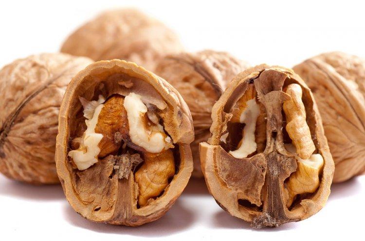 В грецких орехах обнаружили мышьяк и плесень