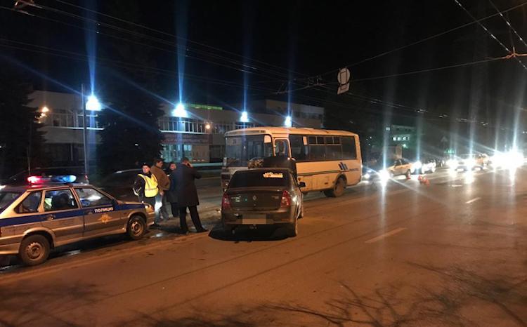 В Уфе пьяный водитель иномарки врезался в «ПАЗик». Есть пострадавшие