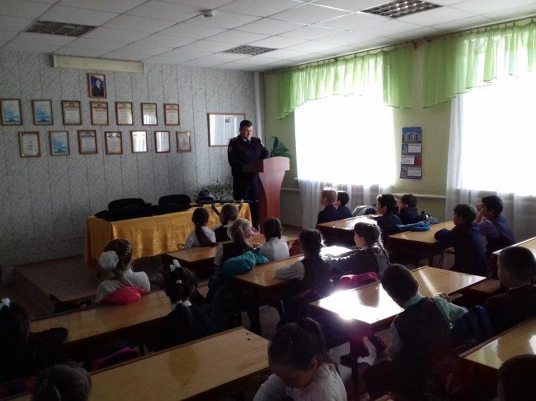 В Башкирии росгвардейцы провели урок мужества для школьников