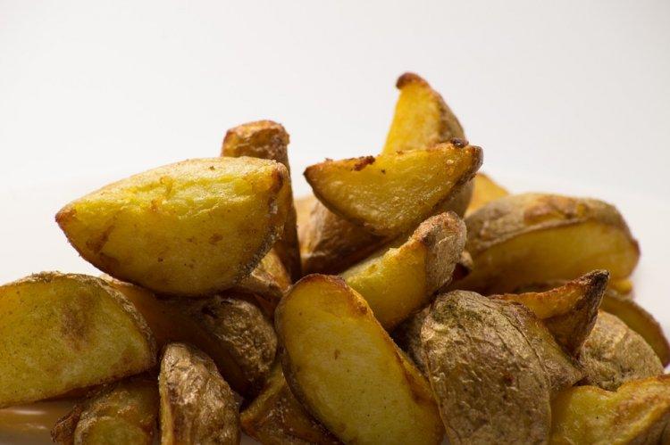 Эксперты назвали вредные и полезные блюда из картофеля