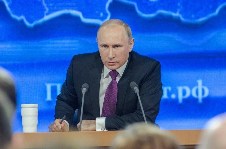 Итальянский премьер призывает вернуть Путина в «большую восьмерку»