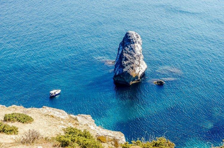 Названы самые популярные места в России для мистического туризма