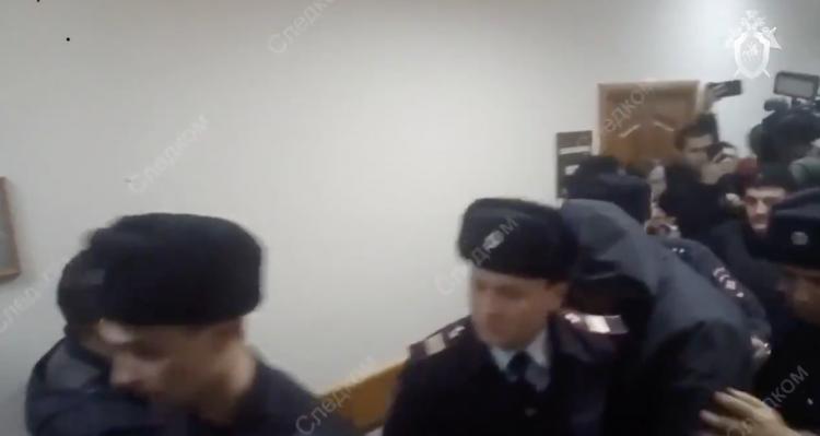 В Уфе арестовали трех экс-полицейских, подозреваемых в групповом изнасиловании