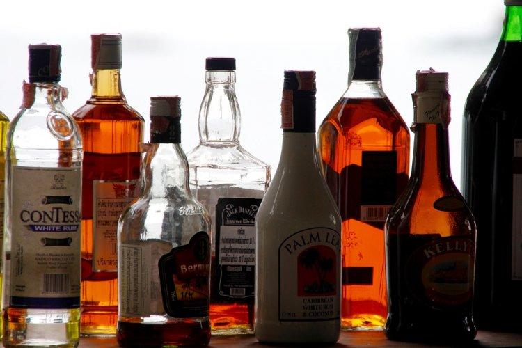 В России хотят сократить число магазинов, торгующих сигаретами и алкоголем