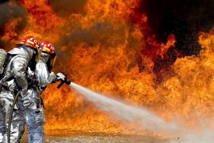В Уфе на заводе произошел пожар