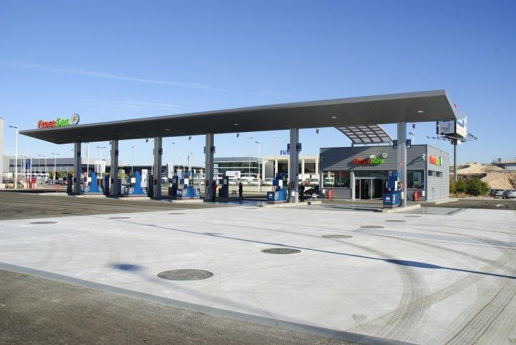 Цены на топливо для корпоративных клиентов завышают скрытно