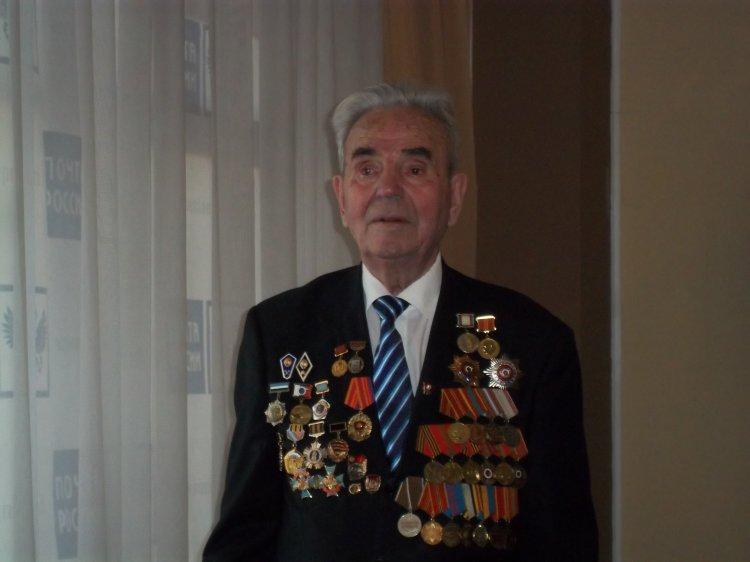 Ветеран почтовой связи из Уфы встретил свое 90-летие на рабочем месте