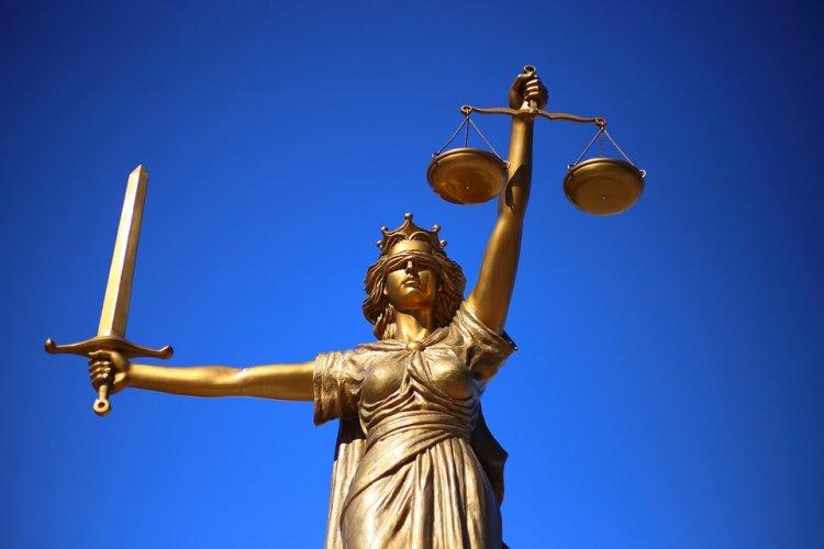В Уфе у бизнесмена судебные приставы забрали два киоска