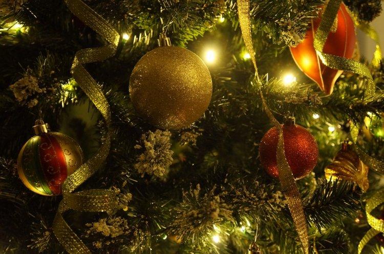 Врачи рассказали, чем опасен синдром новогодней елки