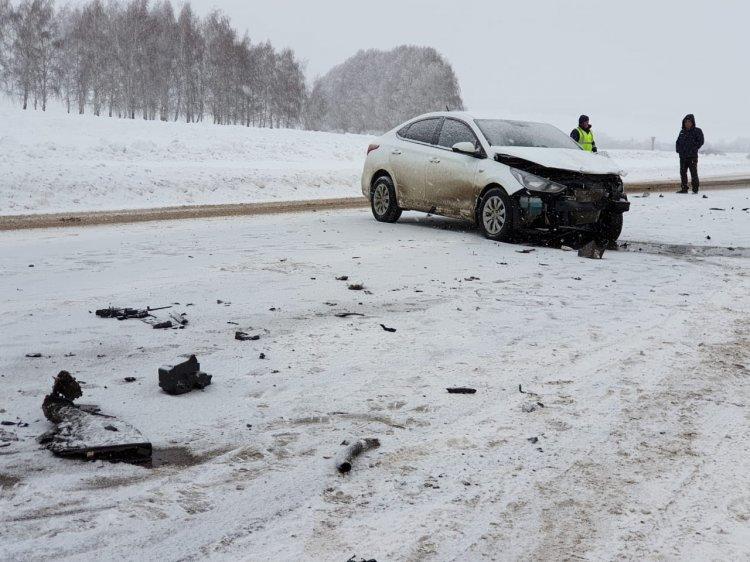 В Башкирии в массовом ДТП машину разорвало на две части