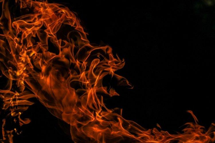 В Уфе сожгли элитную иномарку крупного бизнесмена