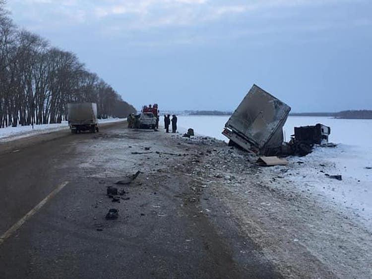 В Башкирии 44-летний водитель Land Cruiser погиб в ДТП с грузовиком