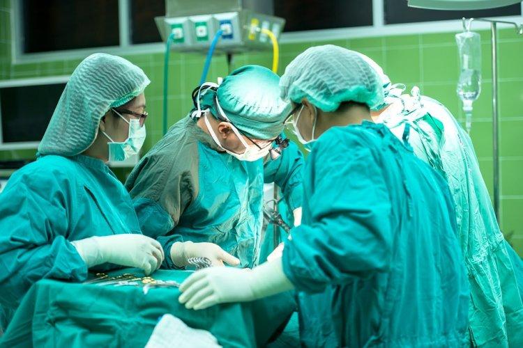 В Башкирии провели уникальную операцию по удалению желудка
