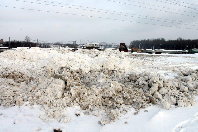 Активисты ОНФ выявили несанкционированные свалки снега в Уфе